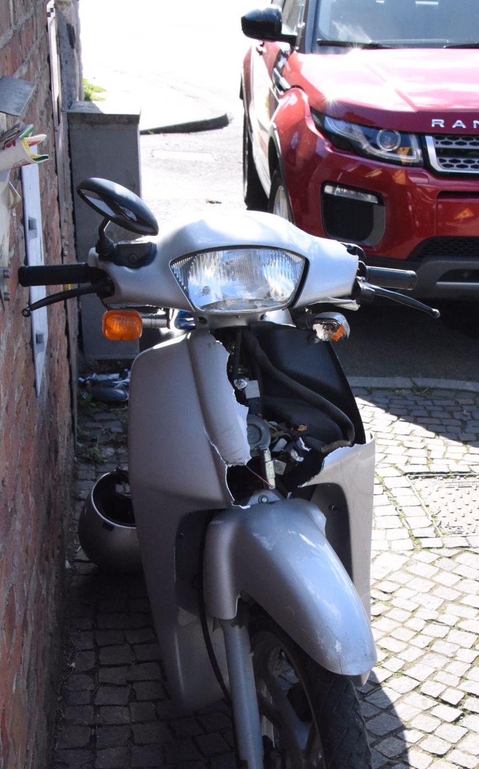 Castelvetro, auto contro scooter: un ferito