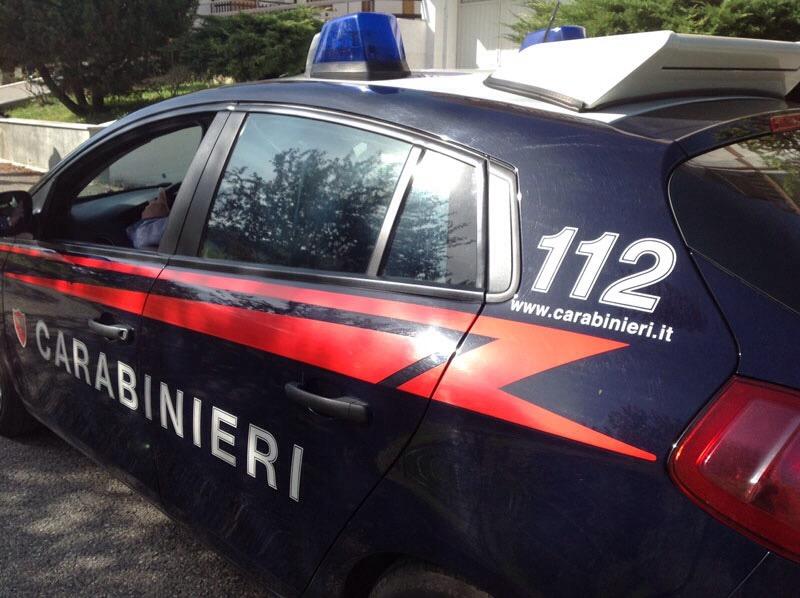Al volante con più di mezzo etto di droga e 11mila euro in contanti: 26enne arrestato