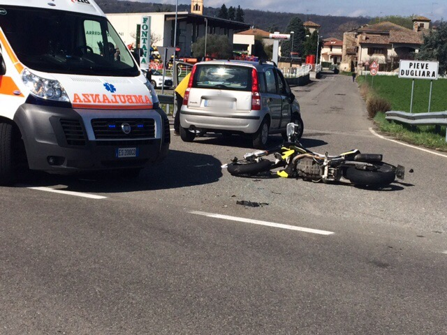 Schianto auto-moto sulla Statale 45: un altro centauro ferito