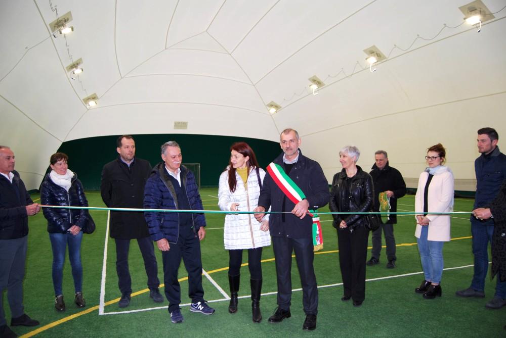 Nuovo campo polivalente a Borgonovo. Tennis e calcetto anche in inverno