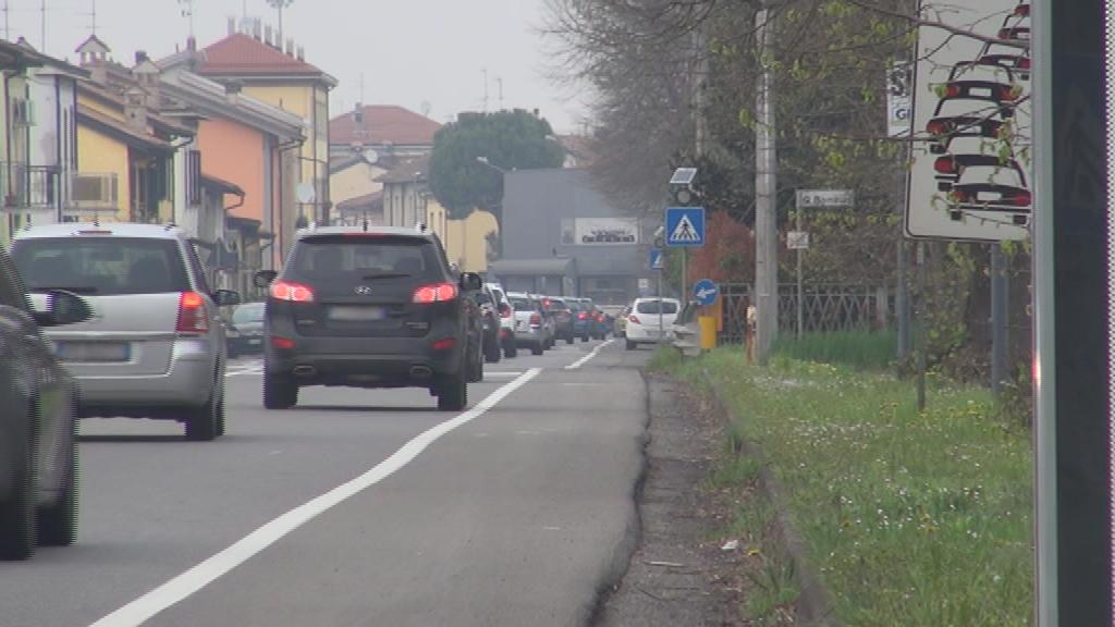 """Residenti esasperati: """"Statale 45 pericolosa, le auto sfrecciano oltre i 100 chilometri orari"""""""