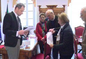 Parco Pertite, il comitato consegna 2.017 firme al Comune di Piacenza