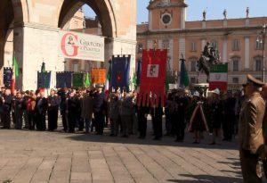 Commemorazione dei caduti in guerra, consegnate due croci al merito