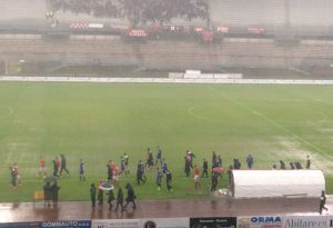 Campo impossibile, Piacenza-Prato rinviata: domani si riprende dal 41′