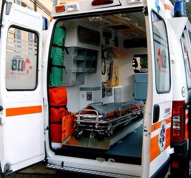 Incidente nel Pavese: motociclista 42enne di Piacenza muore nello scontro con un suv
