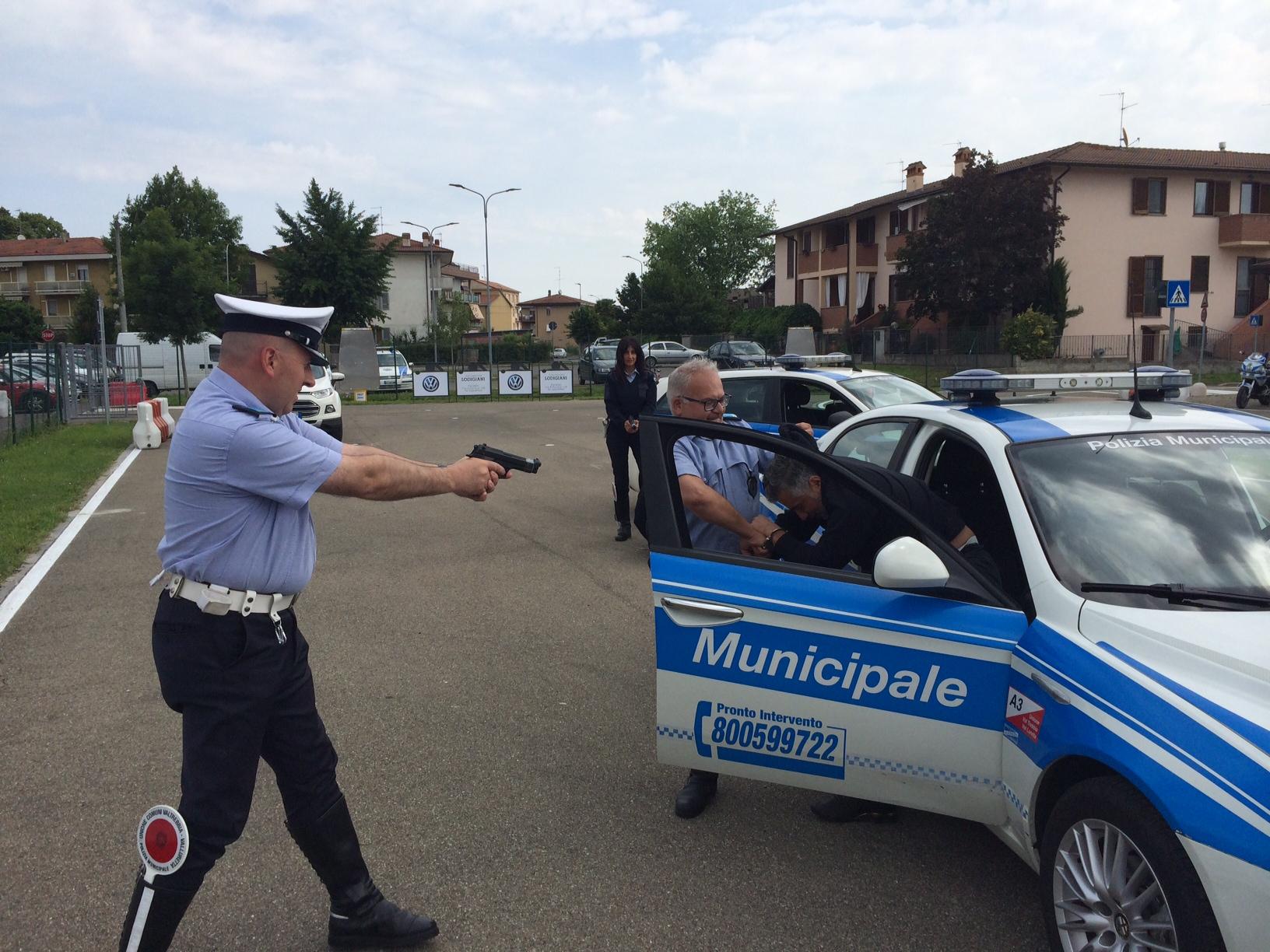 Arresti e perquisizioni: agenti a lezione dalla Gendarmerie francese