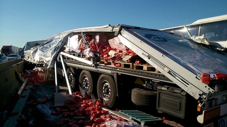 Incidente in a1 verso milano quattro feriti autostrada chiusa - Incidente giardini naxos oggi ...