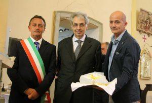 """Il """"bisturi d'oro"""" è Piero Di Giuseppe, luminare della chirurgia della mano"""