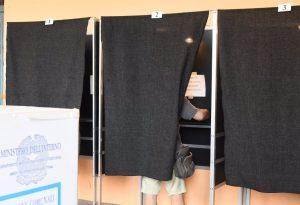 Affluenza al 46,66%: crollo dei votanti rispetto al primo turno