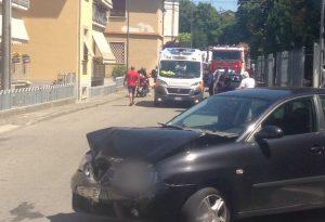 Borgonovo, pensionato perde il controllo dell'auto e ne centra altre due