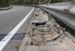 "Ponte San Martino dissestato. ""E' pericoloso, Anas intervenga subito"""