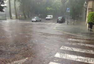 Dopo l'estate anticipata, piogge e forte vento: allerta meteo sul Piacentino