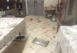 Vandalismi notturni in piscina e all'oratorio, denunciati due minorenni