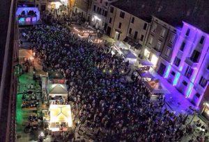 La discoteca silenziosa fa di nuovo centro in piazza Paolo