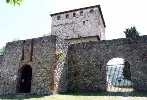 Bobbio, vandali nel castello Malaspina: danni per 10mila euro