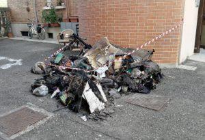 """Incendio di via San Sepolcro, i residenti. """"Situazione peggiorata"""""""