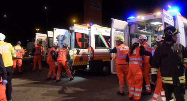 Terremoto e crollo dell'ospedale: la Croce Bianca festeggia con una spettacolare simulazione. FOTO