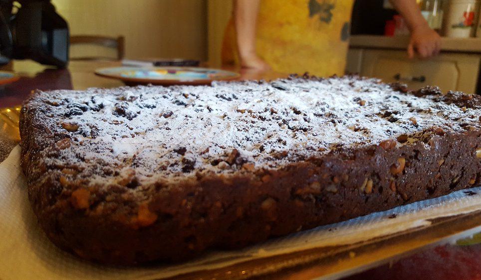 La super torta di pane pensata dalla signora Valentina per non sprecare il cibo