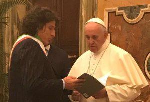 """I sindaci Anci in udienza dal Papa: """"Abbiate una politica dell'accoglienza"""""""