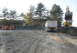 Nuovo parcheggio per la scuola, iniziati oggi i lavori