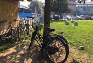 Le rastrelliere per le biciclette torneranno in piazzale Marconi