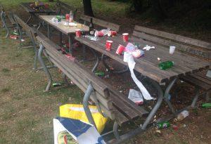 """Vandalismi, bivacchi e rifiuti: Parco della Galleana """"assediato"""" LE FOTO"""