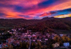 Il tramonto sopra Morfasso è così incredibile da sembrare un quadro