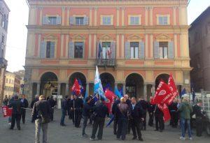 """Bus, oggi lo sciopero degli autisti. I sindacati: """"Adesione altissima"""""""