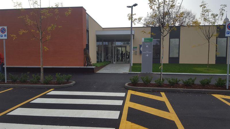 Inaugurata la nuova casa della salute con 10 ambulatori a for Costo della nuova casa