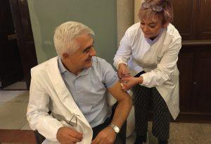 In due settimane quasi 15mila piacentini vaccinati. Oggi tocca a medici e infermieri