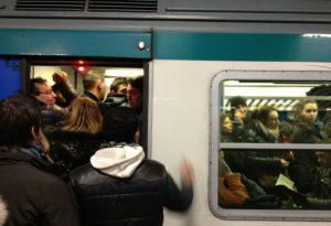 Aumentano i pendolari piacentini, ma si è fermata la fuga di giovani