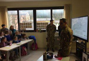 I Pontieri e le loro famiglie donano una lavagna multimediale a una scuola di Visso