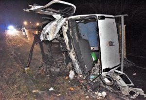 Frontale tra autotreno e camioncino: grave un 48enne