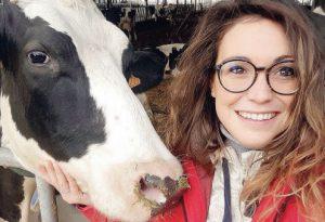 Lorena Tamellini: di giorno nella stalla, la sera danza a teatro