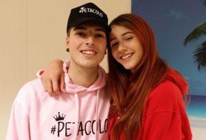 """Balli e selfie: la coppia """"muser"""" Barbuto-Frison al centro Gotico"""