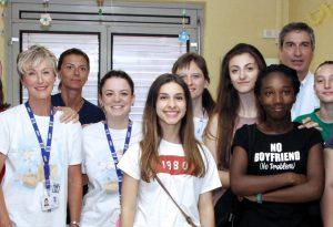 Donazioni a Pediatria: dai bambini della Anna Frank 1.300 euro per due strumenti