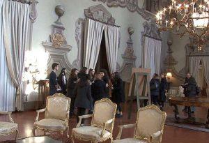 Sale, arredi e dipinti: il Palazzo della Prefettura presentato dagli studenti