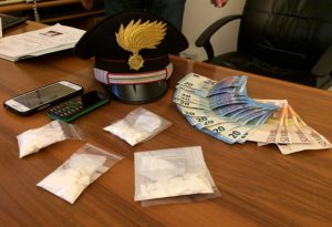 Droga e contanti, tunisino arrestato a piazzale Milano