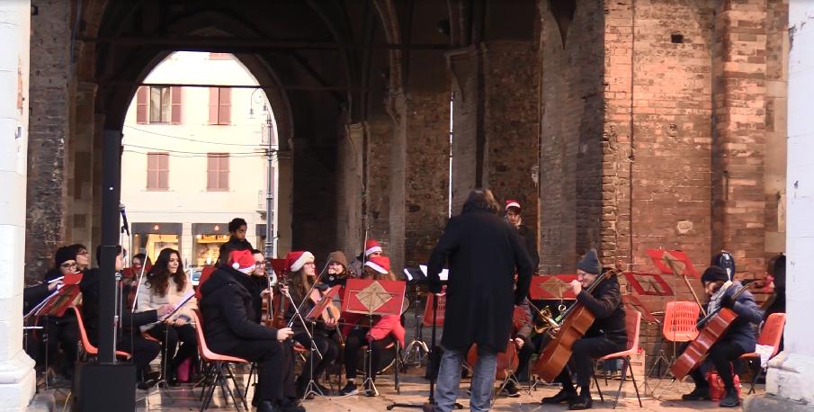 Musica, mercati e presepi: gli appuntamenti della Vigilia di Natale