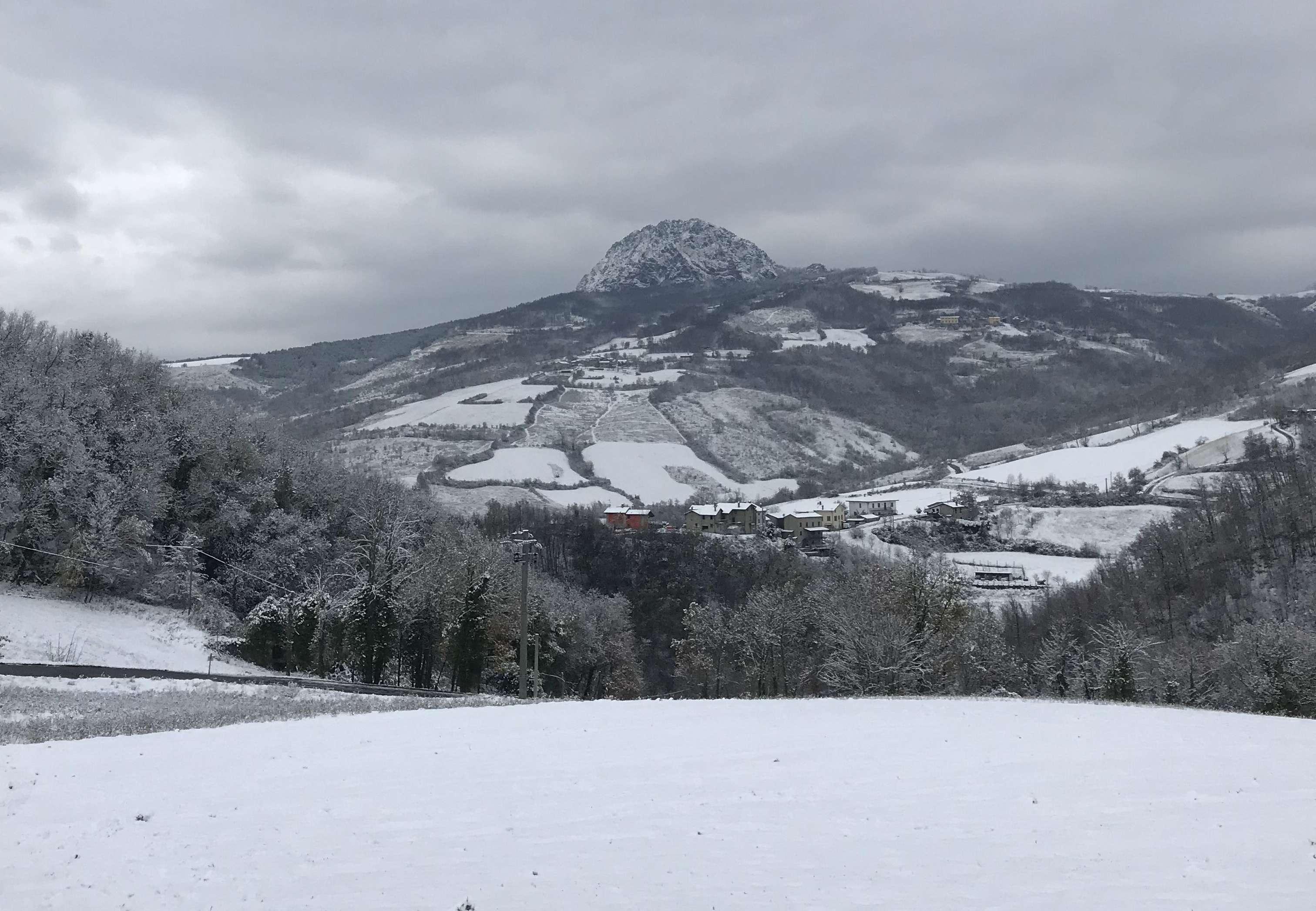 Perturbazione artica, domani arriva la neve in collina e montagna