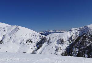 Il week end sulla neve diventa un incubo: ragazzi di Ziano raggirati sul web
