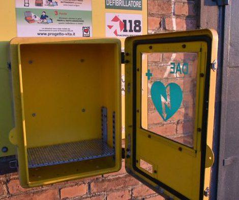 """Rubato il defibrillatore dell'oratorio di Castelsangiovanni. L'appello: """"Restituitelo"""""""