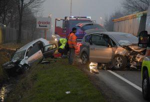 Violento scontro tra due vetture lungo la strada per Caorso, due persone ferite