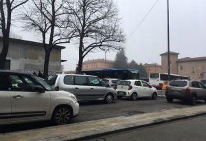 """Sosta selvaggia in piazza Cittadella, spazi per bus e posti a rotazione"""""""