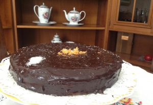 Ricetta anti spreco: ecco la torta di carote e cioccolato