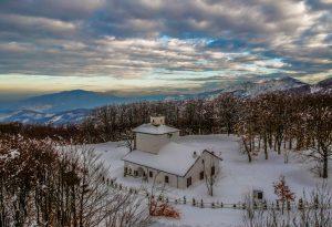 Neve, allerta di 24 ore: attesi 20 cm in pianura e 50 in montagna