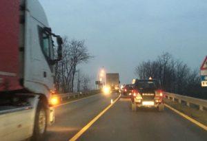 Camionisti contro il nuovo divieto per il ponte di Pievetta