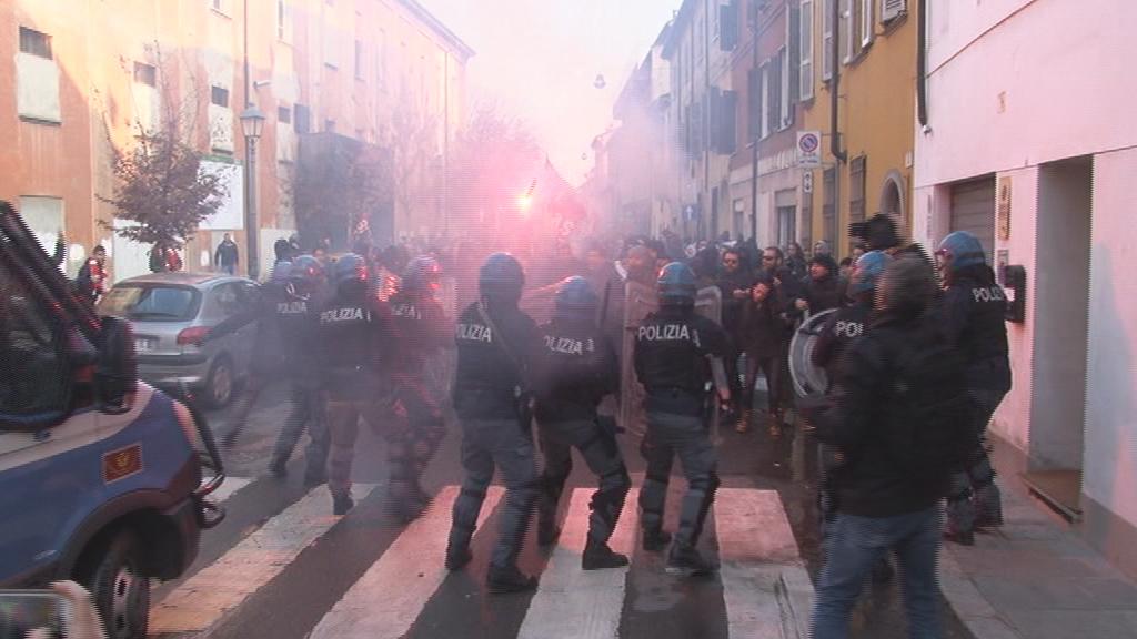 Gli indagati salgono a 11, tra cui coloro che picchiarono il carabiniere
