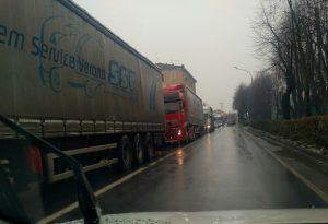 Camion ribaltato  in A21, lunghe code tra Castel San Giovanni e Piacenza