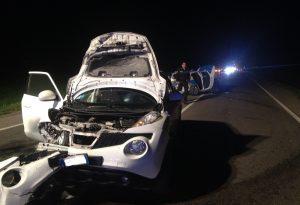 Schianto tra due vetture, ferita gravemente una guardia giurata